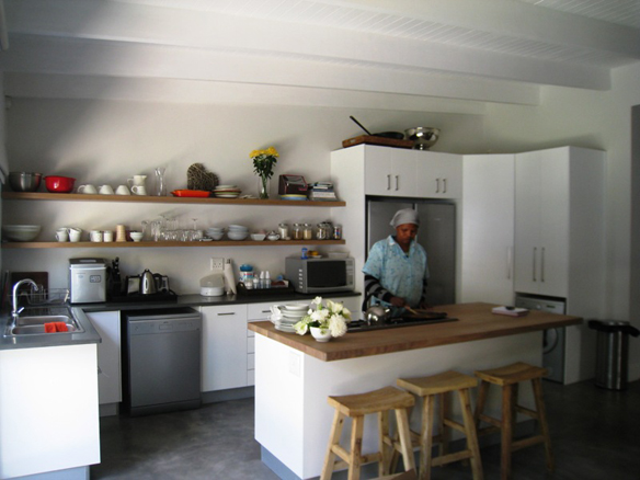 Kitchens living design home renovation specialists for Small kitchen designs cape town