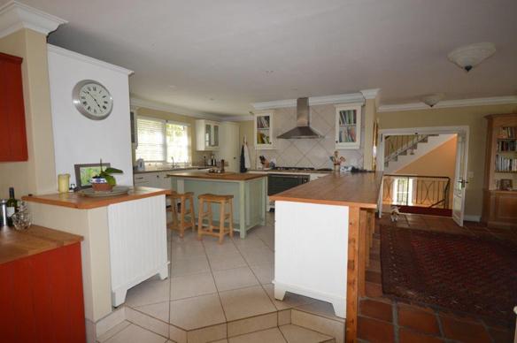 Kitchen designs cape town country kitchen gallery cape for Kitchen design visit