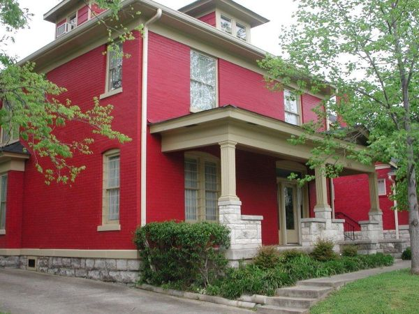 Red House - Homedit - What colour to paint your house.